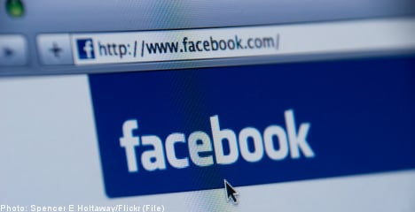 Parents learn of teen's crash on Facebook