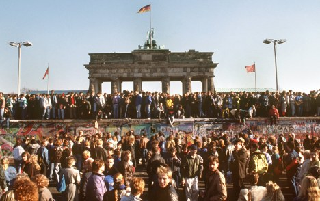Eastern Germans 'still shut out from elite'