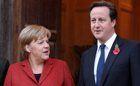 Merkel visits Cameron for EU talks