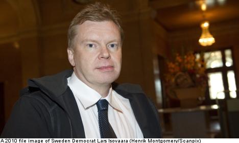 Oinking Sweden Democrat MP steps down