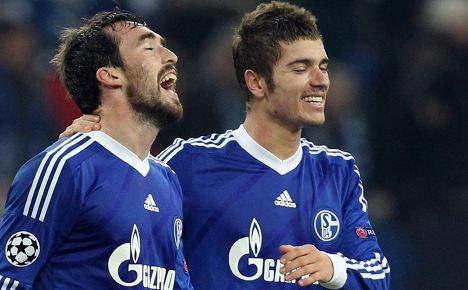 Fuchs strike fires Schalke into next round