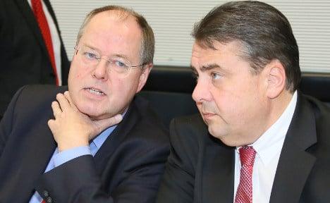 Steinbrück's money 'hurts party's chances'
