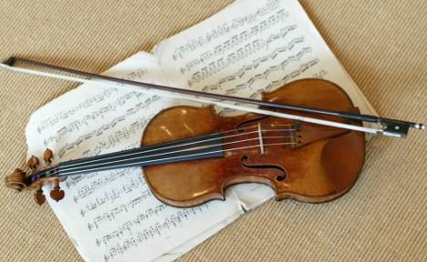 German rare violin dealer jailed for fraud