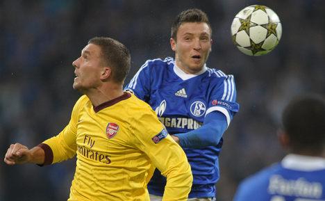 Schalke strike back to draw with Arsenal
