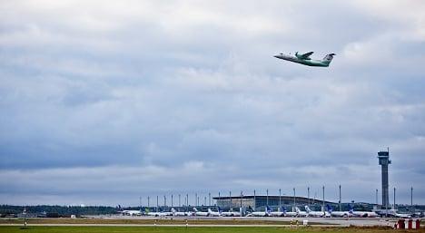 Plane halts landing to avoid crew overtime