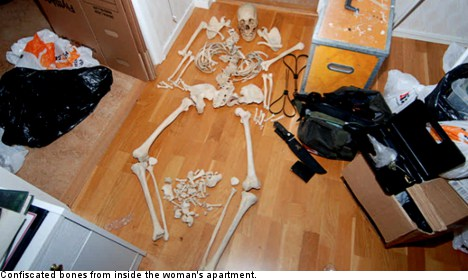 Swedish skeleton lover 'wants her bones back'