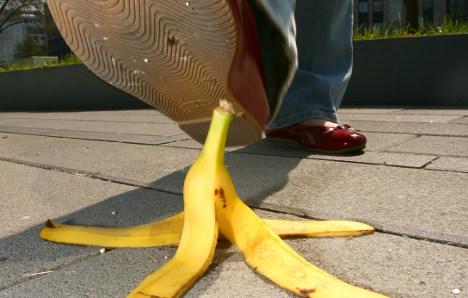 Banana skin slip stops steak knife stabbing