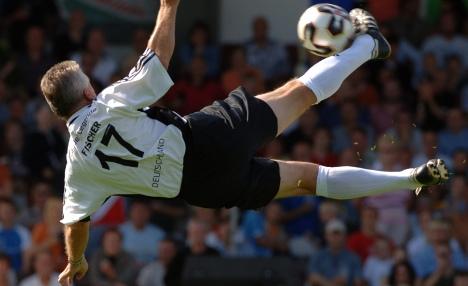 Did 1977 'goal of century' beat Zlatan's?
