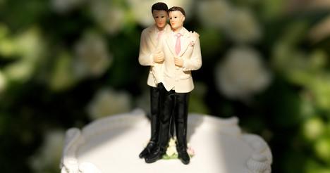 Tensions rise in French gay marriage debate