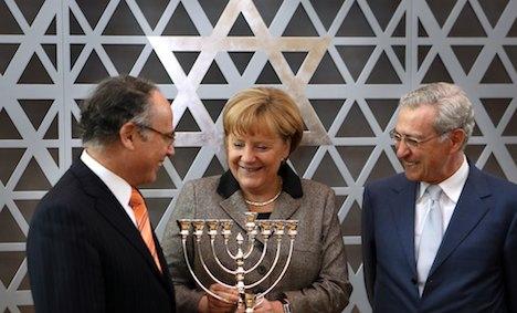 Merkel soothes Jewish ire over circumcision row