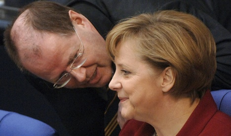 Steinbrück: Merkel gets 'women's bonus' in polls