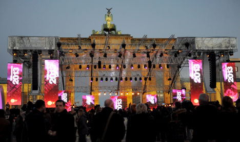 Record crowds awaited at Brandenburg Gate