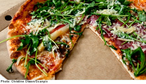 Pizzeria's coleslaw lunch kills Swede