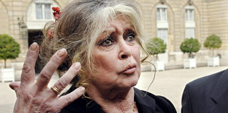 Bardot leaps to Depardieu's defence