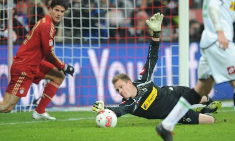 Bayern 12 points ahead despite Gladbach draw