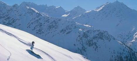 Valais avalanche claims Swedish skier's life