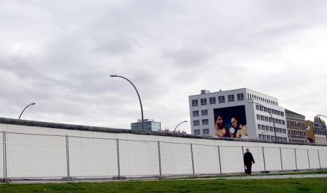 Berlin Wall to get 'West Side Gallery'