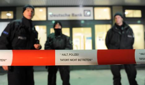 Berlin bank robber had fake gun and bomb