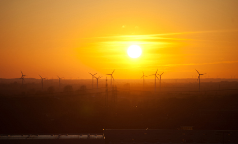 Merkel advisors: we're missing energy targets