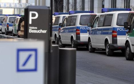 Deutsche Bank HQ raided in tax fraud probe