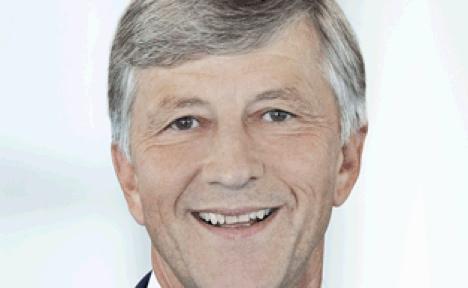 Top businessman urges immigrant quotas