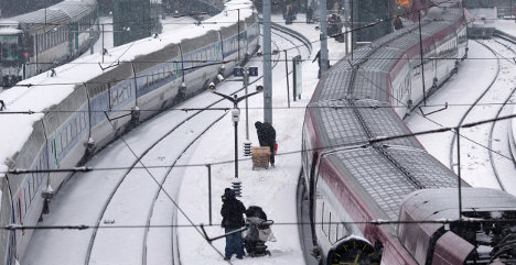 Latest: Snow causes travel chaos in France