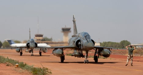 Mali: French forces advance on rebel north