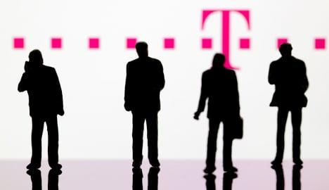 Telekom cuts 1,200 jobs in reshuffle