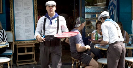 'Rude' Parisians try to clean up their act