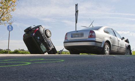 Police bust fraudster family faking car crashes