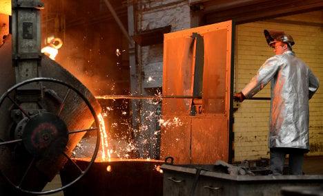 Industry bounces back slightly amid weak Q4