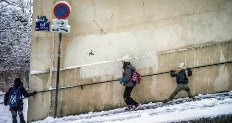 Dordogne and Nice under snow as France freezes
