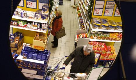 Men take on more household shopping