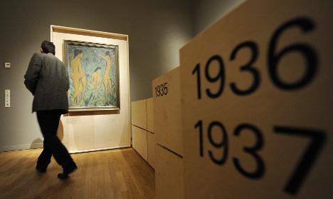Pressure rises to return art stolen by Nazis