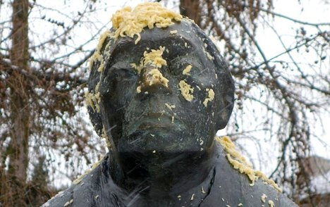 Berlin Swabians hit back with noodle attack