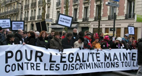Thousands march for French gay marriage law