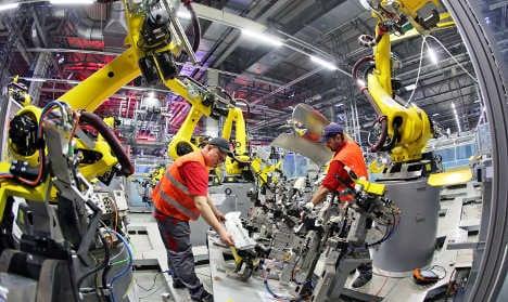 Porsche to hire 1,000 workers in Leipzig