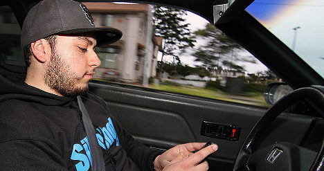 Experts: Drink driving 'safer' than car phone use