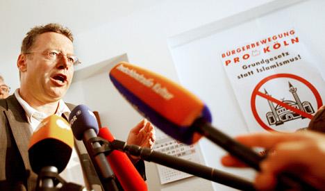 Top prosecutor takes on Islamist murder plot