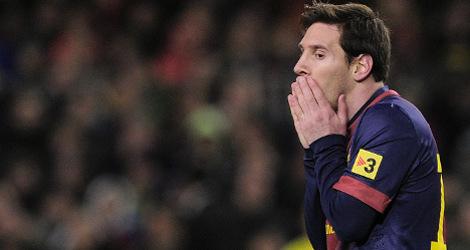 Barça back sick coach as players' form dips
