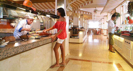 Spanish hotel prices soar to nudge €100