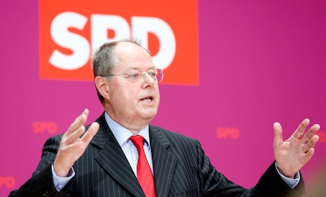 SPD aims to topple Merkel with social justice