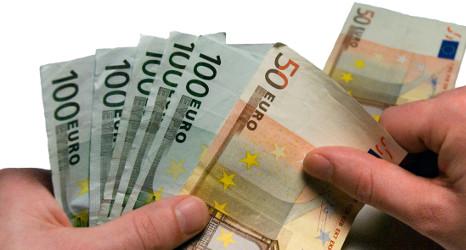 Banks' bad debts edge up once more