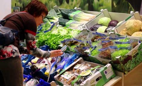 Vegetable vendor finds rat poison in lettuce