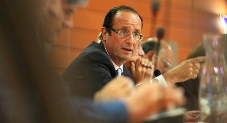 Hollande slams Russia for Assad support