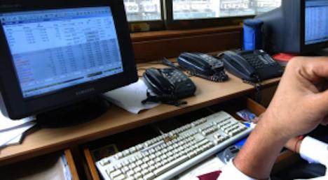Geneva civil servants ordered to dust desks
