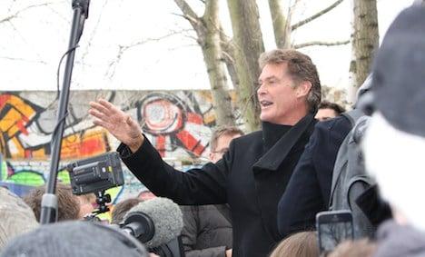 David Hasselhoff rallies support for Berlin Wall