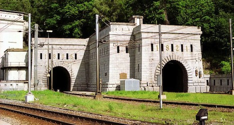 Bomb threat disrupts Swiss-Italian rail traffic