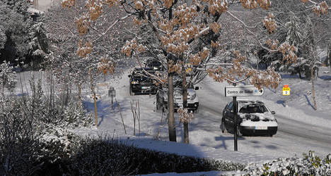 Weather warning: snow and strong winds