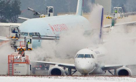 Frankfurt Airport opens a runway after shutdown